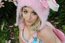 Featured Cosplayer: Cassie Mays